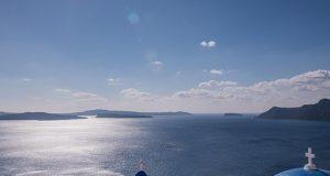 Santorini (Greece) in a midday sun... (www.pixabay.com)