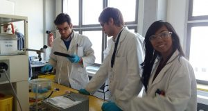 ESR 11, Jennifer Astoveza (first from the right), during a practical session in the laboratory at EPFL